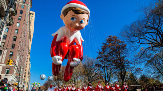Macy's Thanksgiving Day Parade Elf On the Shelf Balloon.