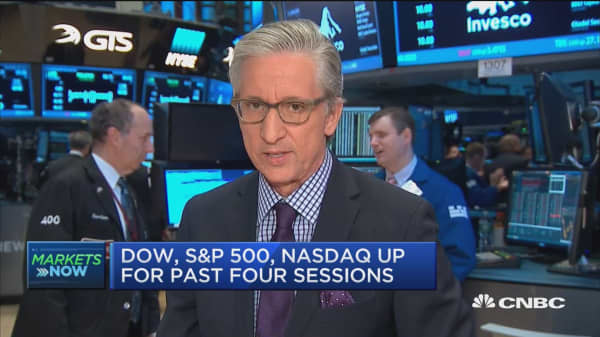 Dow, S&P 500, Nasdaq up for past four sessions