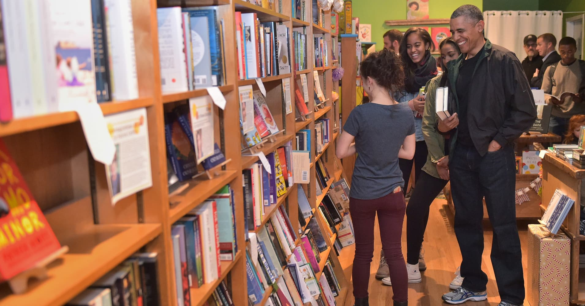 Last year, US President Barack Obama shopped at Upshur Street Books in Washington, DC, during Small Business Saturday with his daughters Malia and Sasha.