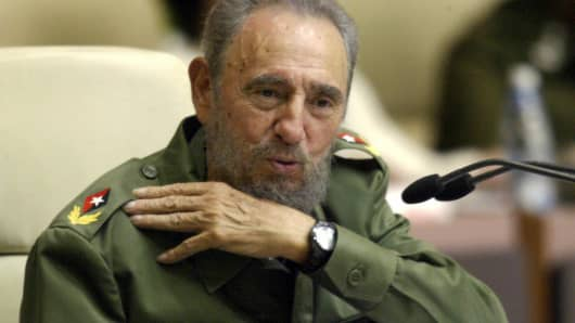 Cuban President Fidel Castro delivers a speech 10 May, 2005 at the Conventions Palace in Havana.