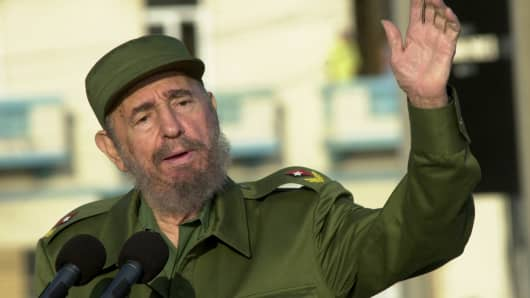 Cuban President Fidel Castro gives a speech in front of the U.S. Interest Section May 14, 2004 in Havana.