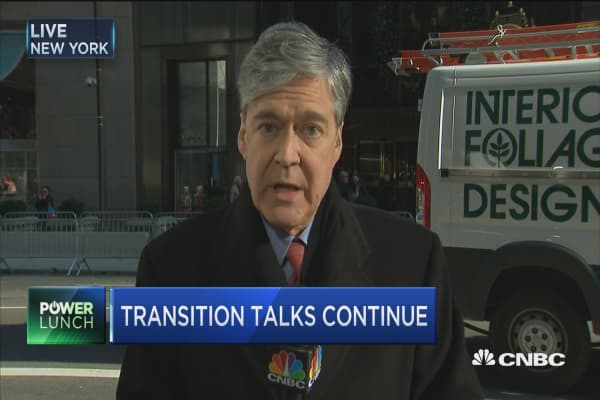 Trump continues meetings after transition hurdles