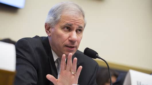 Martin Gruenberg, chairman of the Federal Deposit Insurance Corp. (FDIC), speaks during a House Financial Services Committee hearing in Washington, D.C., U.S., on Tuesday, Dec. 8, 2015.