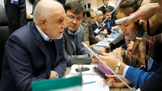 Iran's Oil Minister Bijan Zanganeh talks to journalists during a meeting of the Organization of the Petroleum Exporting Countries (OPEC) in Vienna, Austria, November 30, 2016.