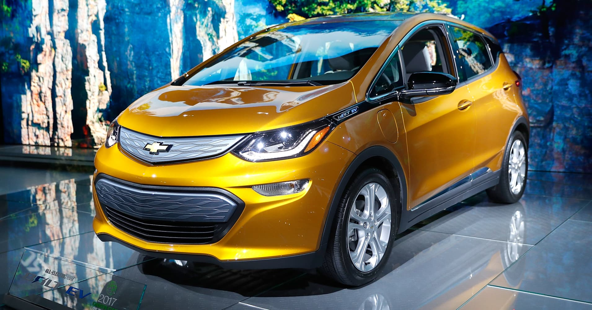 Cars For Sale Los Angeles >> GM stands to lose $9,000 per car on Chevy Bolt