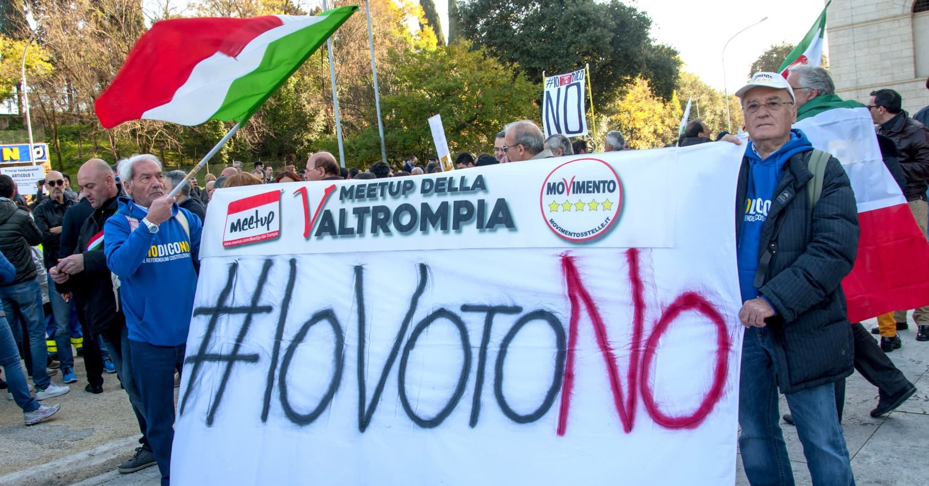 Live: European stocks slip as markets get edgy ahead of Italian referendum