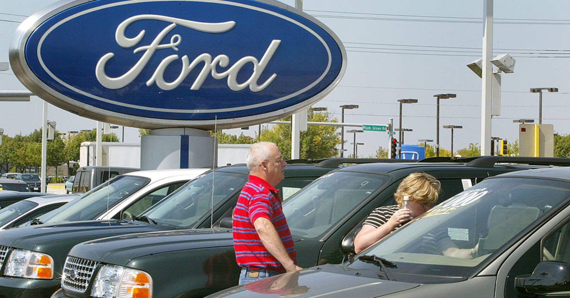 Ford sales fall 1.6% due to unpopular cars, but truck, vans and SUVs gain