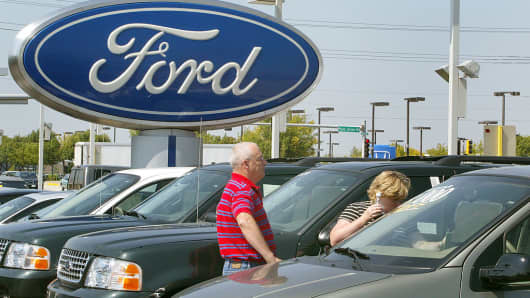 Shoppers at a Ford dealership in Schaumburg, Illinois.
