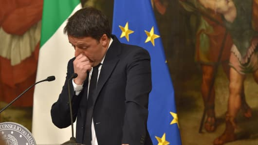 Italian Prime Minister Matteo Renzi give a speech after the results of the referendum on constitutional reforms at Palazzo Chigi on December 5, 2016 in Rome, Italy.