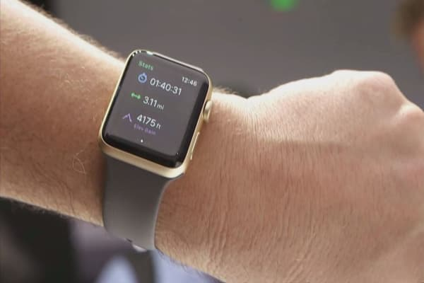 Tim Cook offers update on Apple Watch sales