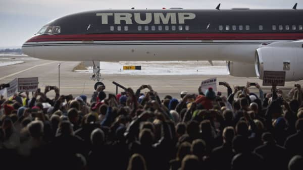 Trump's private jet cost a fraction of Air Force One