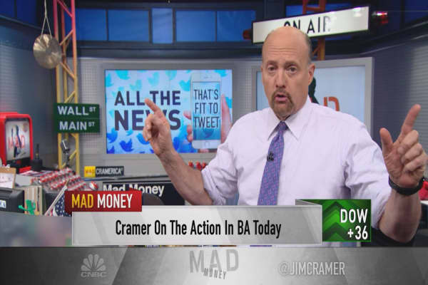Cramer uncovers the risk that Trump's tweet on Air Force One just introduced to your portfolio