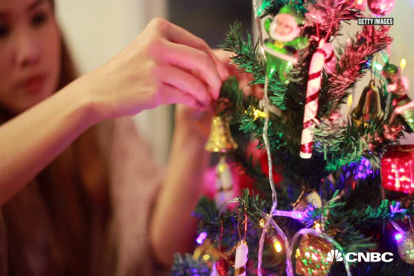 The easiest ways to make your office less sad and more festive