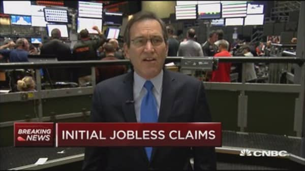 Initial jobless claims down 10,000 to 258,000