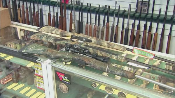 Remington hits back at rifle settlement critics