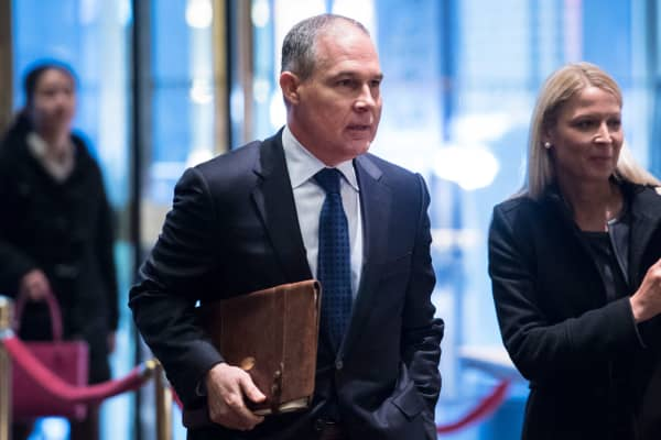 Oklahoma Attorney General Scott Pruitt arrives at Trump Tower in New York, on Wednesday, Dec. 07, 2016.