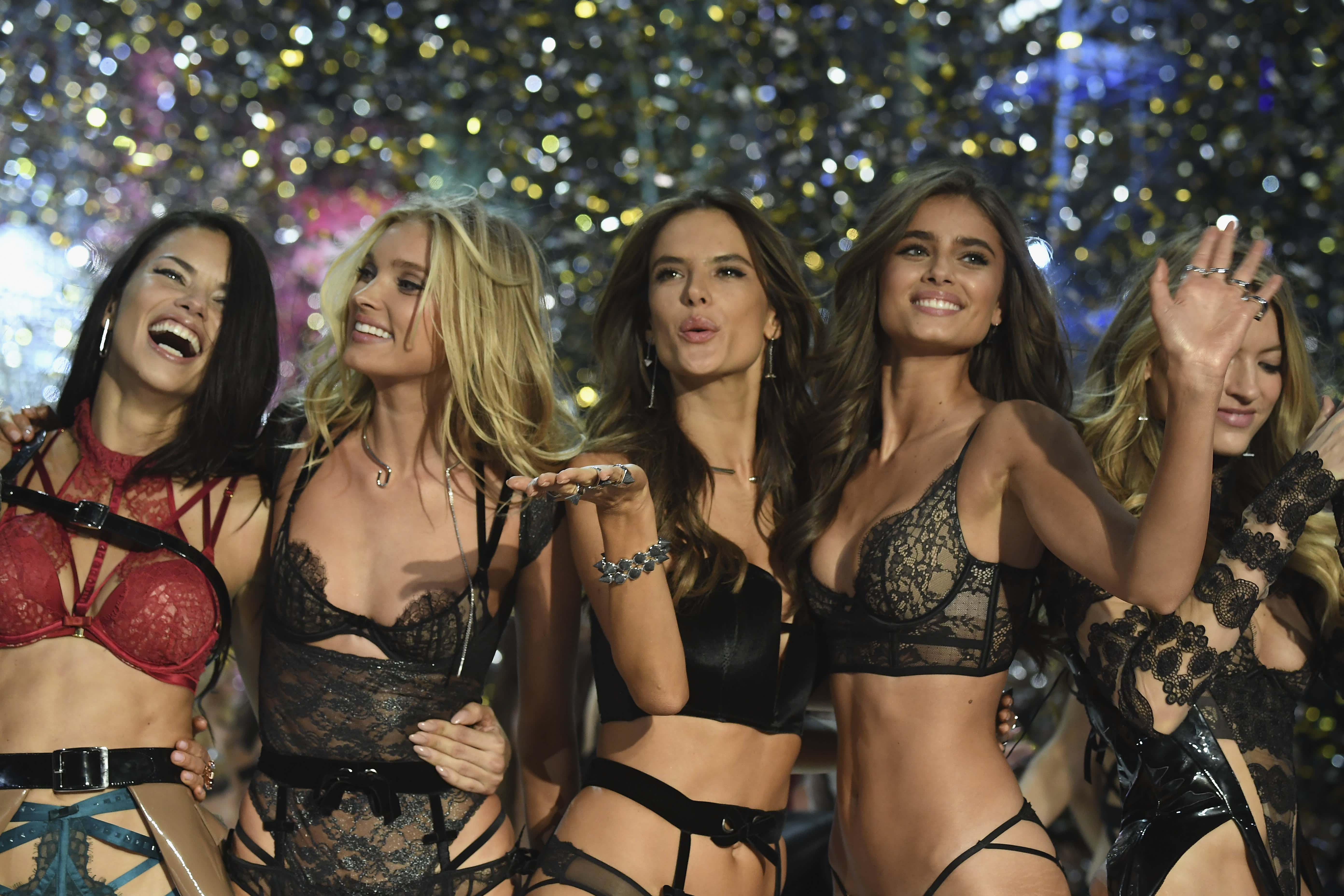 65a2c432af2b4 Victoria s Secret is still trying to sell sexy. And it isn t working
