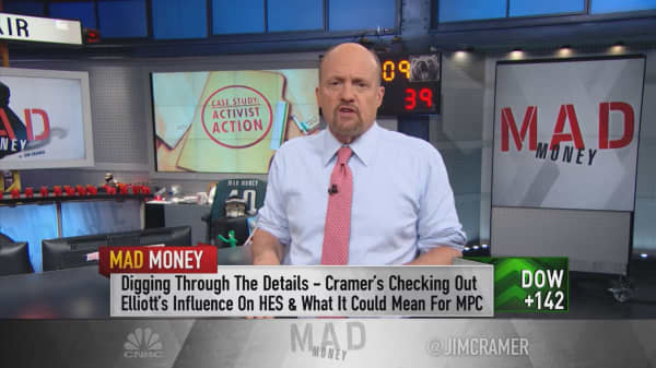 Cramer warns of 'disastrous' consequences for Elliott's stake in Marathon Petroleum