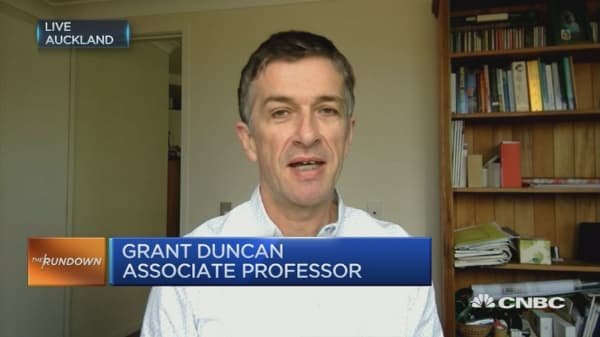 Bill English has some work ahead of him: Academic