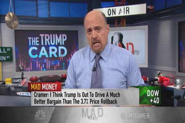 Cramer calls for a portfolio review: Trump puts companies that rely on the government at risk