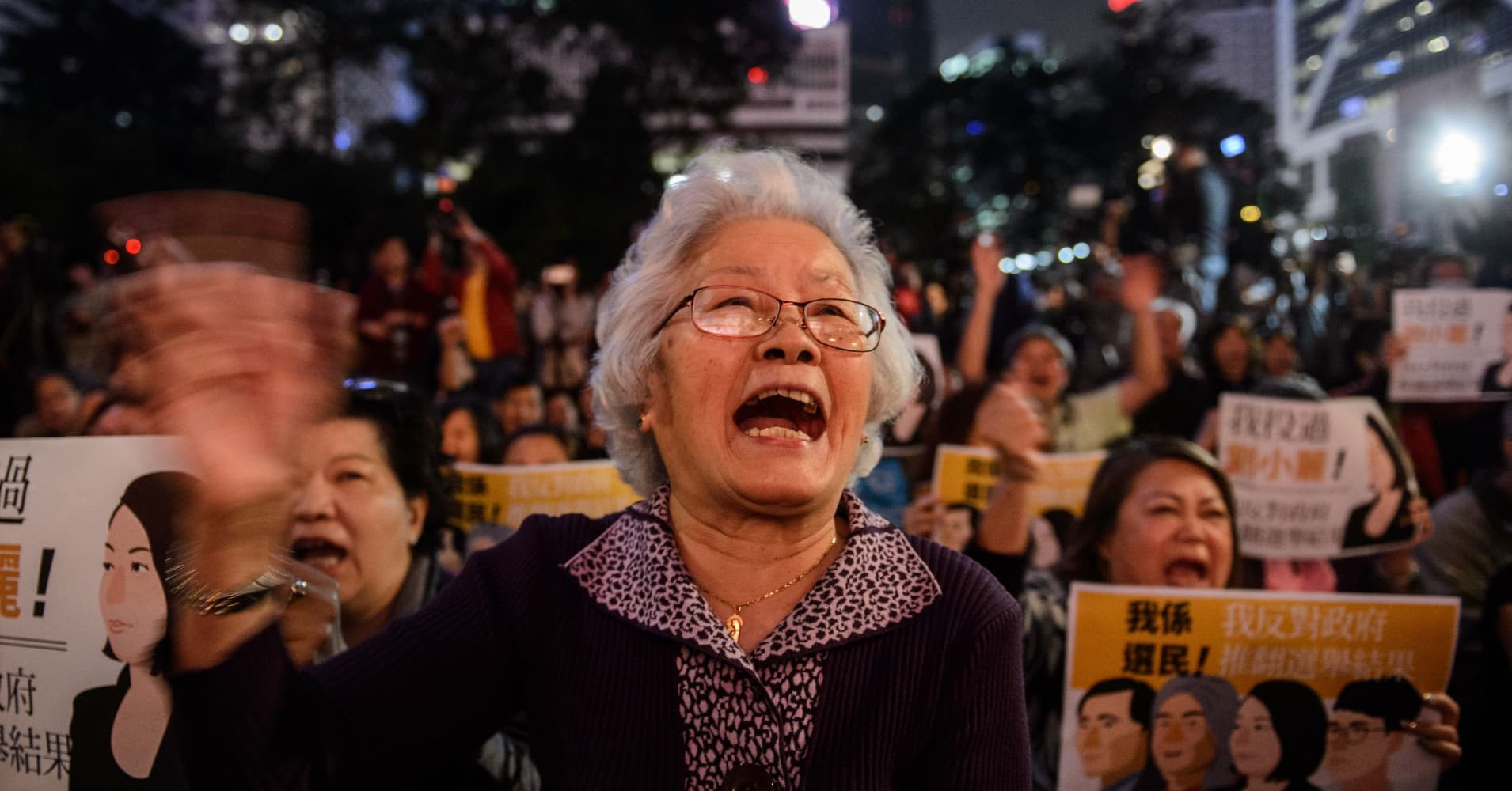 an analysis of the future of hong kongs economy You may also sort these by color rating or essay length throwing things out of anger is never a smart move, but it can also lead to more serious an analysis of the future of hong kongs economy consequences.