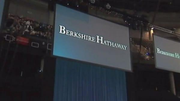 Buffett's Berkshire Hathaway touches $250,000 a share