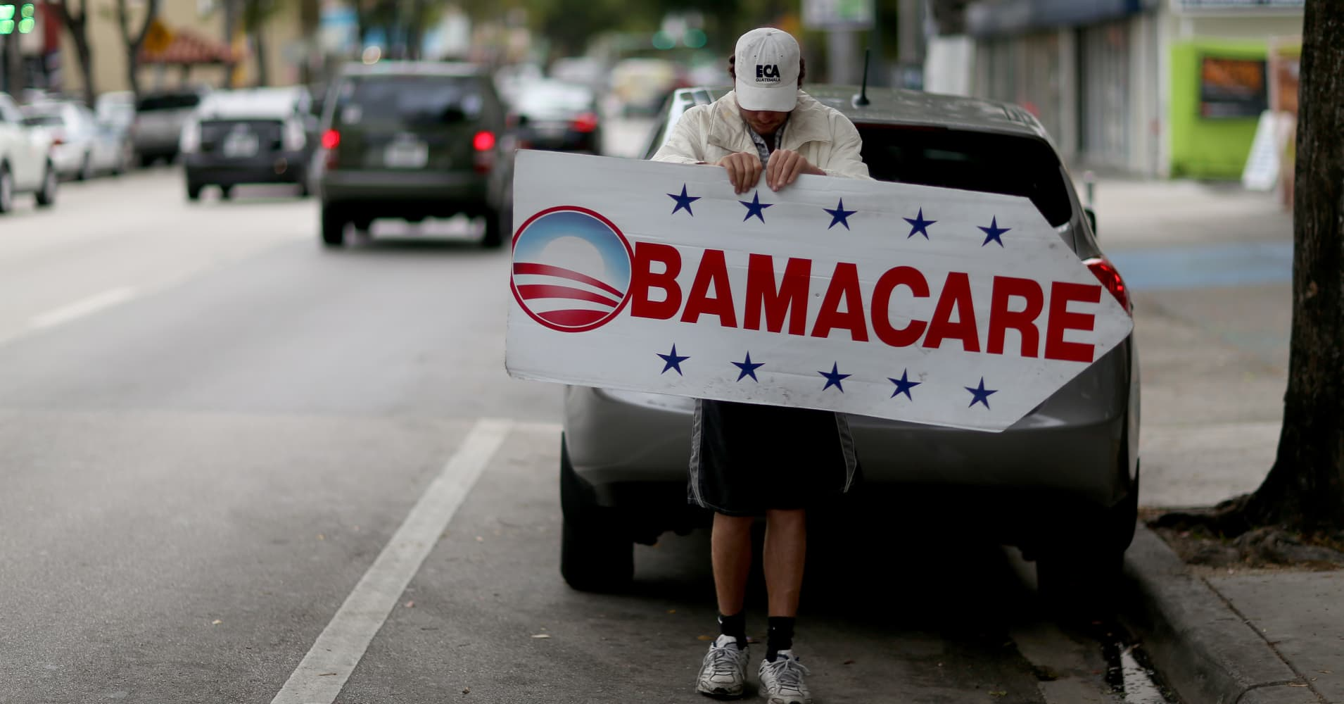 Trump's Obamacare ad cuts will slash health enrollment by at least 1.1 million, analysis says