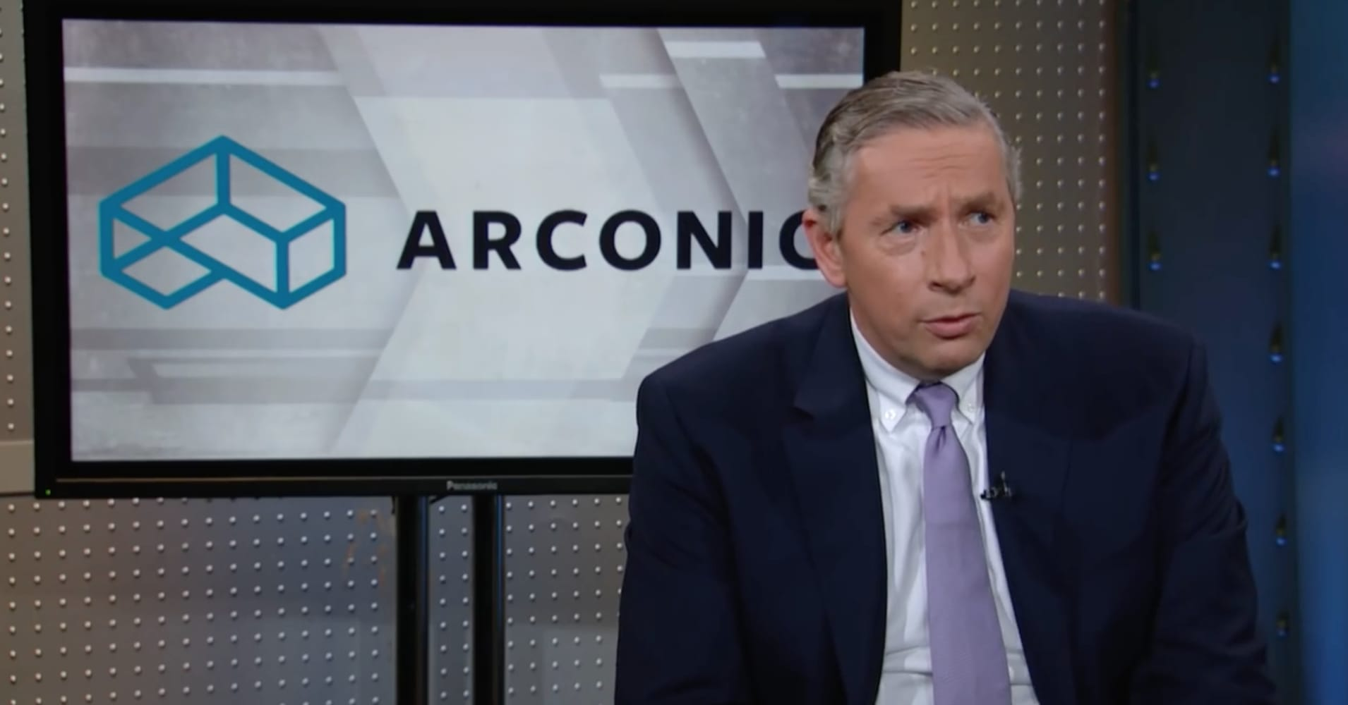 Arconic CEO Klaus Kleinfeld fights back against Paul