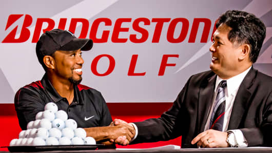 Tiger Woods signs multi-year deal with Bridgestone Golf.
