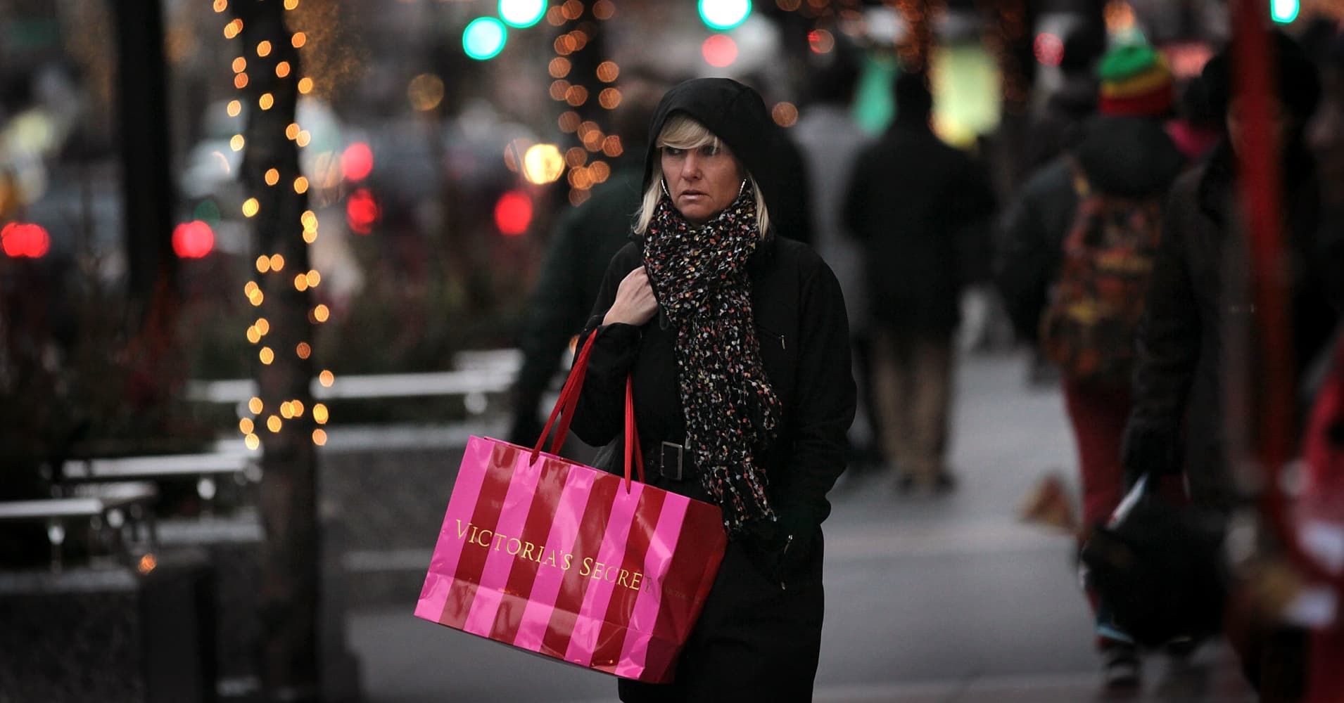 Shares of Victoria's Secret-owner L Brands plunge on weak forecast, mixed holiday results
