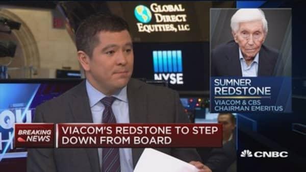 Viacom's Redstone to step down from board
