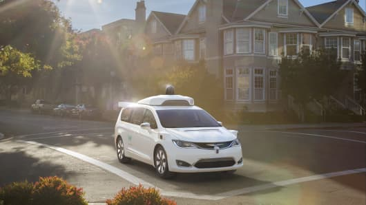FCA delivers 100 uniquely-built Chrysler Pacifica Hybrid minivans to Waymo (formerly the Google self-driving car project) for their self-driving test fleet.
