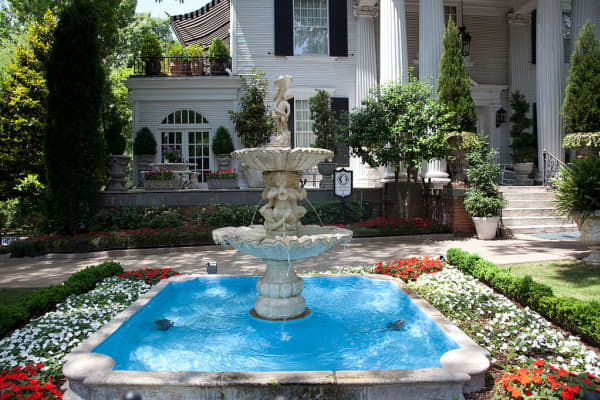 Beautiful fountain in an historic residential neighborhood in Birmingham, Alabama.