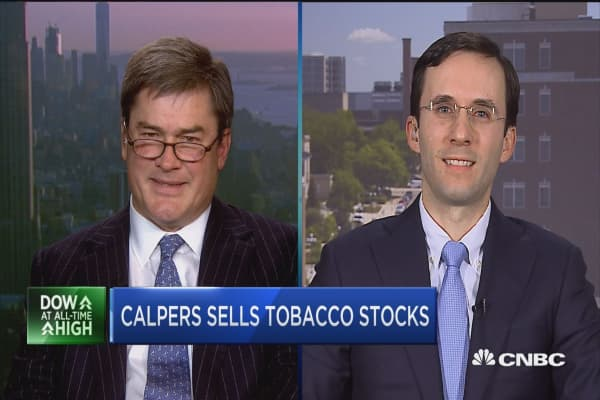 Calpers sells tobacco stocks