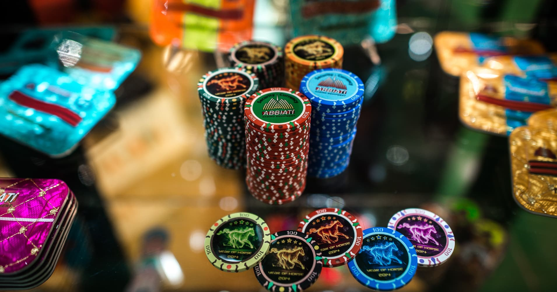 Macau police hunt for HK$48 million in gambling chips after Wynn casino robbery