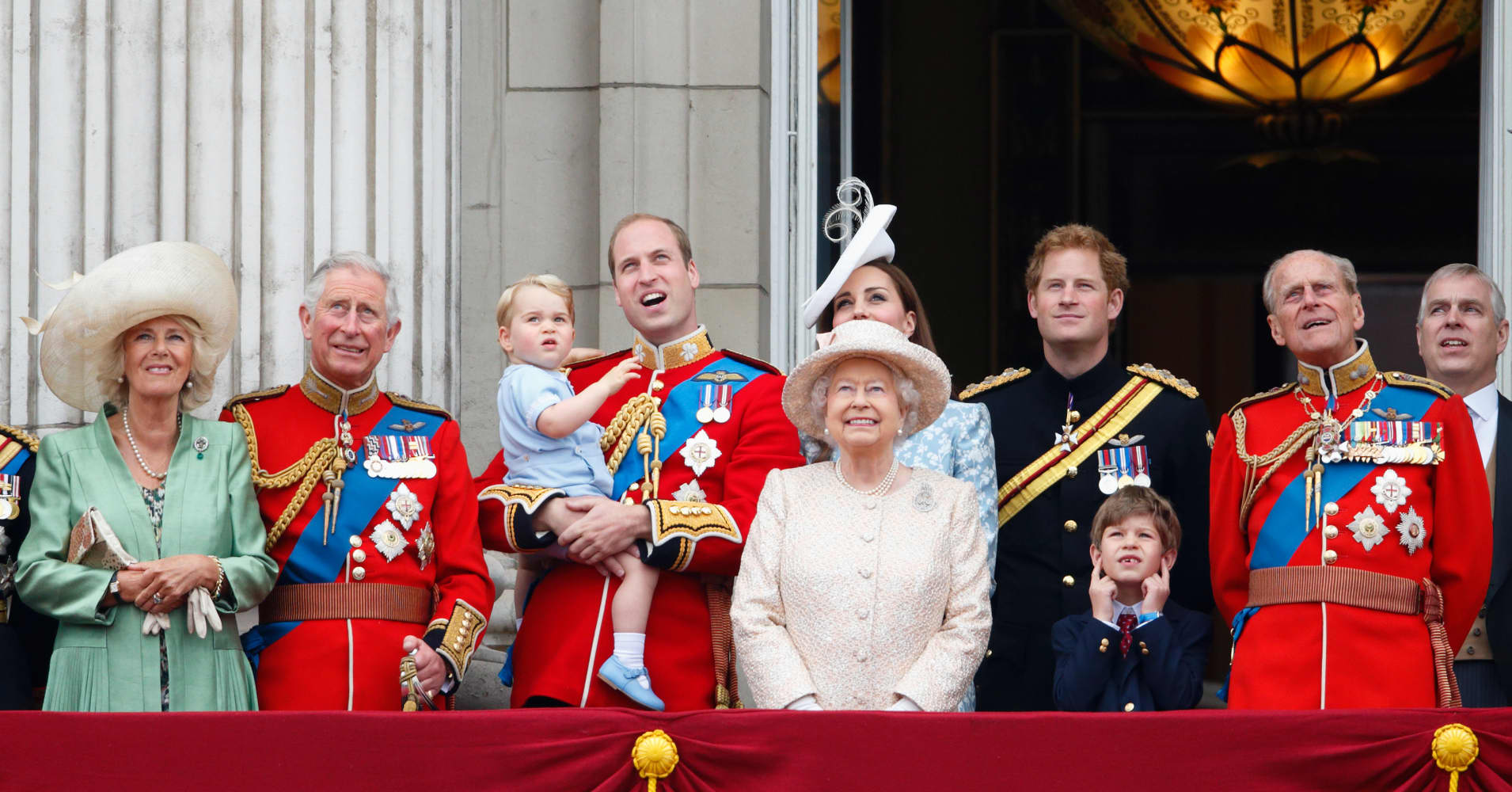 10 Conspiracy Theories About The Royal Family, From The ...