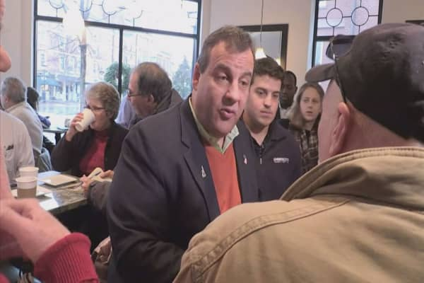 Angry Gov. Chris Christie take to Twitter