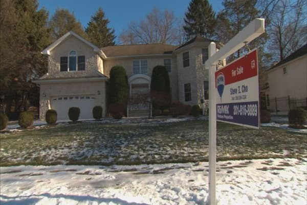 Mortgage apps rise 2.5% despite rising rates
