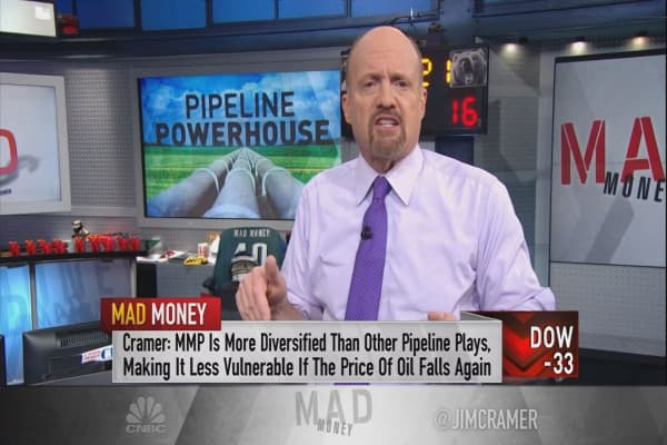Jim Cramer circles back to his No. 1 pipeline play after a 'tectonic shift' in energy