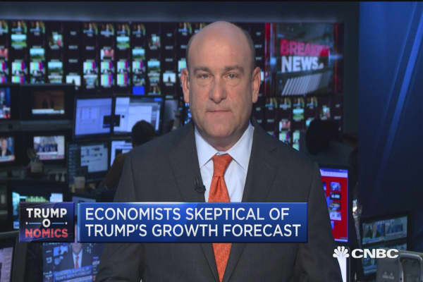 Economists skeptical of Trump's growth forecast
