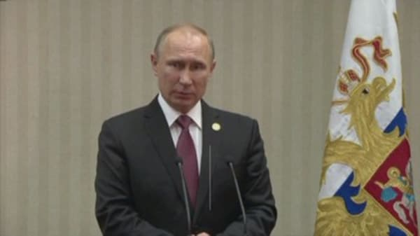 Putin praises Donald Trump for election win