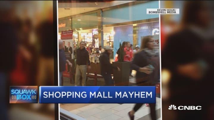 False report prompts mall mayhem