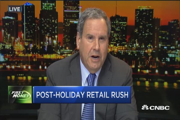 Fmr. Saks CEO: Avoid Amazon, go for these instead
