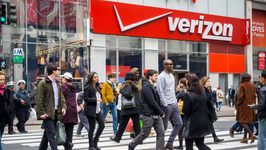 Verizon Communications Inc. (VZ) Upgraded to