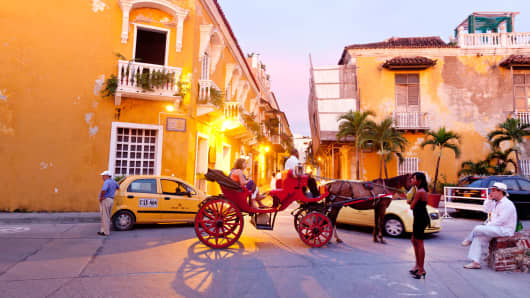 A horse-drawn carriage in colonial Cartagena, Colombia.