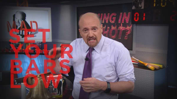 Cramer Remix: Why good news is not good for Apple