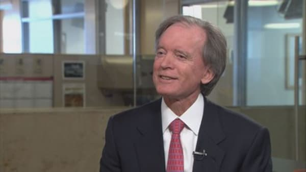 Bill Gross says forget the Dow, watch this number in 2017