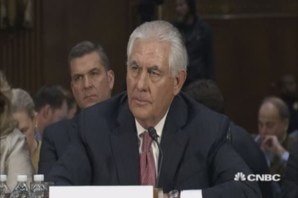 Tillerson refuses to rule out Muslim registry