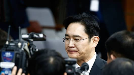 Lee Jae-Yong, vice chairman of Samsung leaves to adjourn for lunch during a parliamentary hearing over the Choi Soon-sil probe at the National Assembly on December 6, 2016 in Seoul, South Korea.