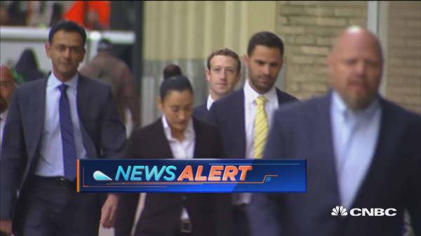 Facebook CEO Zuckerberg arrives in Dallas court
